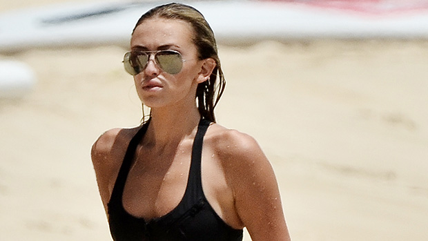 Paulina Gretzky Looks Stunning And Displays Abs In Tiny